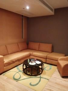 Renaissance Bangkok Ratchaprasong Hotel - Renaissance Suite Sitting Area